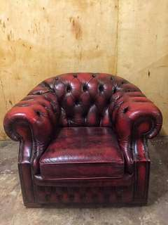 1 Seater Chesterfield Oxford Red (Used)