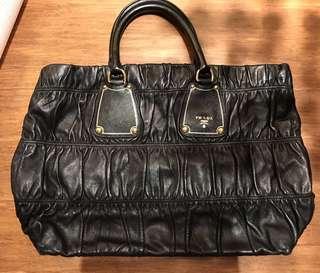 Prada Top Handle Bag (Black) 黑色手挽袋