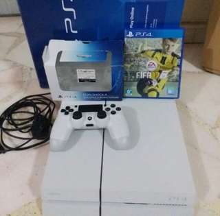 🚚 PS4 500GB White