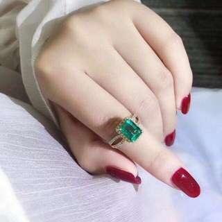 18k祖母綠鑽石戒指