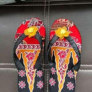 Sandal batik betawi
