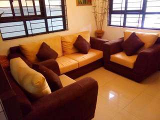 💖repriced💖 Sofa set (w/ pillows included!)