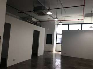 OXLEY BIZHUB RENT AND SALES 25 units!  Attractive Price awaits you!
