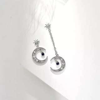 月亮造型吊墜耳環 ☺☺☺ earring # homemade bracelet bangle ring earring necklace diamond 耳環 頸鏈 腳鏈 手鏈 戒指 手鈪‼️‼️‼️‼️SUMMER SALES‼️‼️‼️‼️ ‼️‼️全部貨品兩件9折🙈優惠到31/7‼️‼️