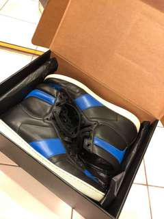 SAINT LAURENT PARIS Slioh High Top Sneaks
