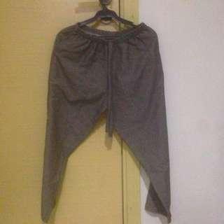 Garterized loose pants