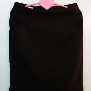 Black pencil skirt (large)