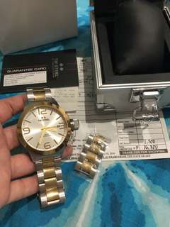 TW Steel CB31 Complete inclusions
