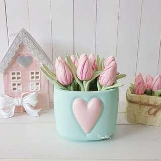 Bucket Tulips Mint