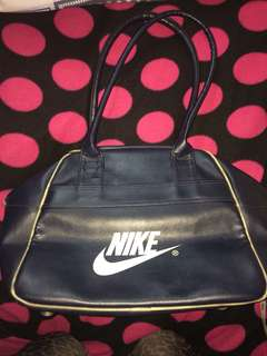 🚚 NIKE LADIES BAG