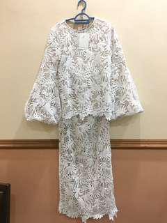 Lubna Tropical Lace Puff Sleeves Kurung
