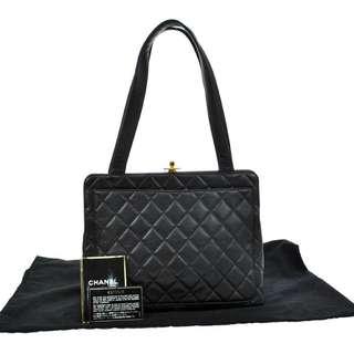 Vintage Chanel黑色魚子醬金扣shoulder bag 30x22x12cm