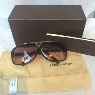 LOUIS VUITTON SUNGLASSES AUTHENTIC