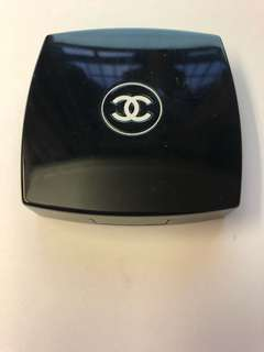 Chanel powder (Poudre Lumiere Pressee) shade 2 (plein hour)