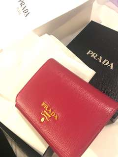 Prada 銀包 wallet (購自巴黎)有單有盒有袋 100%real