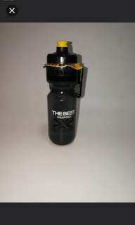Brand new DABOMB water bottle for cycling and sporting (JET valve design cat MADE IN TAIWAN)