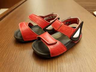 🚚 Adidas 小童蜘蛛人涼鞋 (Size 5k)