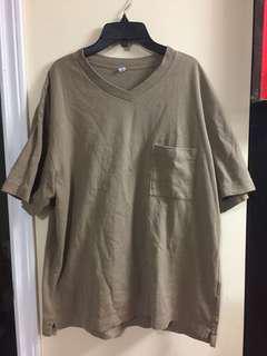 Uniqlo Beige T Shirt