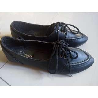 Sepatu Cardinal