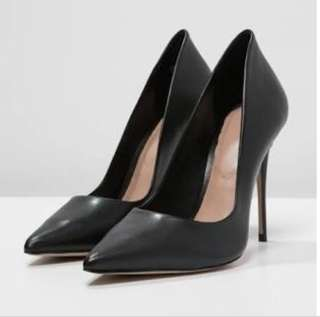 Aldo Black Heels size 7.5