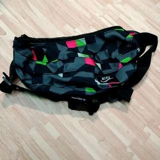 🚚 Nike腰包後背包全新