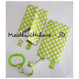 Padded drool pad / teething pad for baby carrier