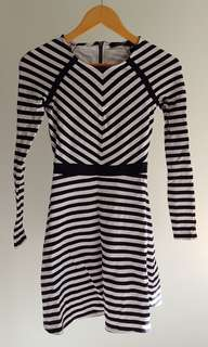 Gorgeous Portmans Navy and White Winter Jersey Dress