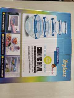 全新玻璃有蓋碗,一套5個,a set of five glass bowls
