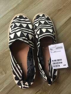 Sepatu H&M size 37