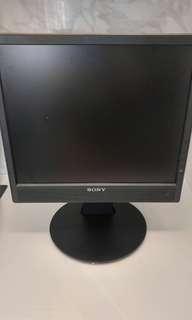 """14"""" sony monitor"""