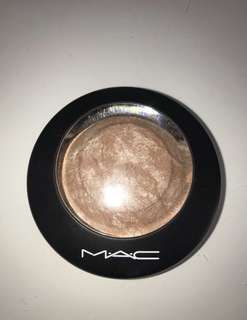 MAC Mineralize Skinfinish in 'Soft & Gentle'