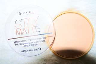 Stay matte bedak shade natural