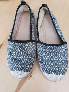 """Sepatu ethnic """"M&S"""""""