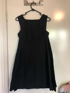 Cue dress, see photos of the back! - AU 8