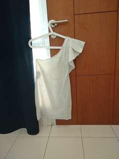 White off shoulder mini dress asimetris