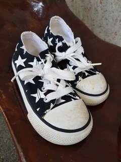 Converse Kids Size 8