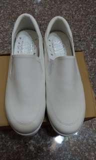 🚚 白-仿皮革休閒懶人鞋