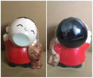 Sanrio Minna No Tabo 大口仔 人形陶瓷儲金箱 (4.5 吋高) (** 只限北角地鐵站交收 **)