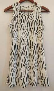 🚚 彈力紋路背心式洋裝