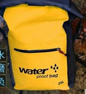 雙肩防水袋25 L
