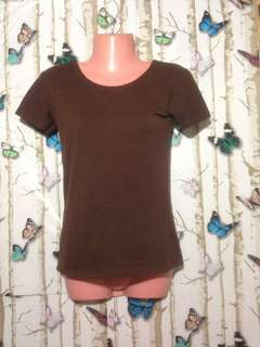 Brown tshirt