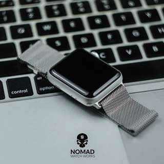 🚚 Apple Watch Milanese Mesh Strap in Silver