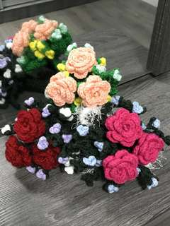 Crochet Rose flower bouquet- 3 stalks