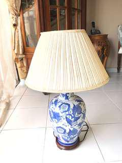 Antique Table Lamp Nego
