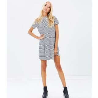 Atmos&Here Sally High-Neck Swing Dress stripped black and white
