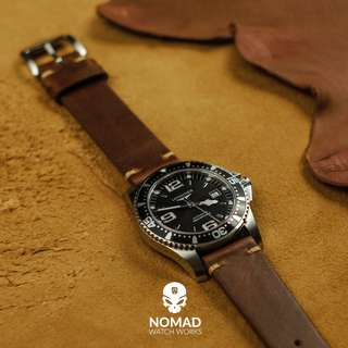 🚚 Premium Vintage Leather Strap in Oil Waxed Tan