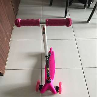 Pre loved Girls pink Scooter