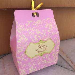 Cute and elegant candy box for door gift