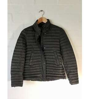 ZARA puffer jacket light weight size with detachable hood XS