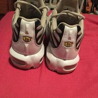 Nike White n Black Tns